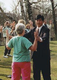 一九九五年四月在哥德堡講法班期間,李洪志師父親自教功